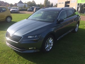 Skoda Superb Combi Ambition (DSG-190 PK)