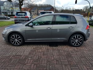 Volkswagen Golf 1.2 Benzine  (Highline)